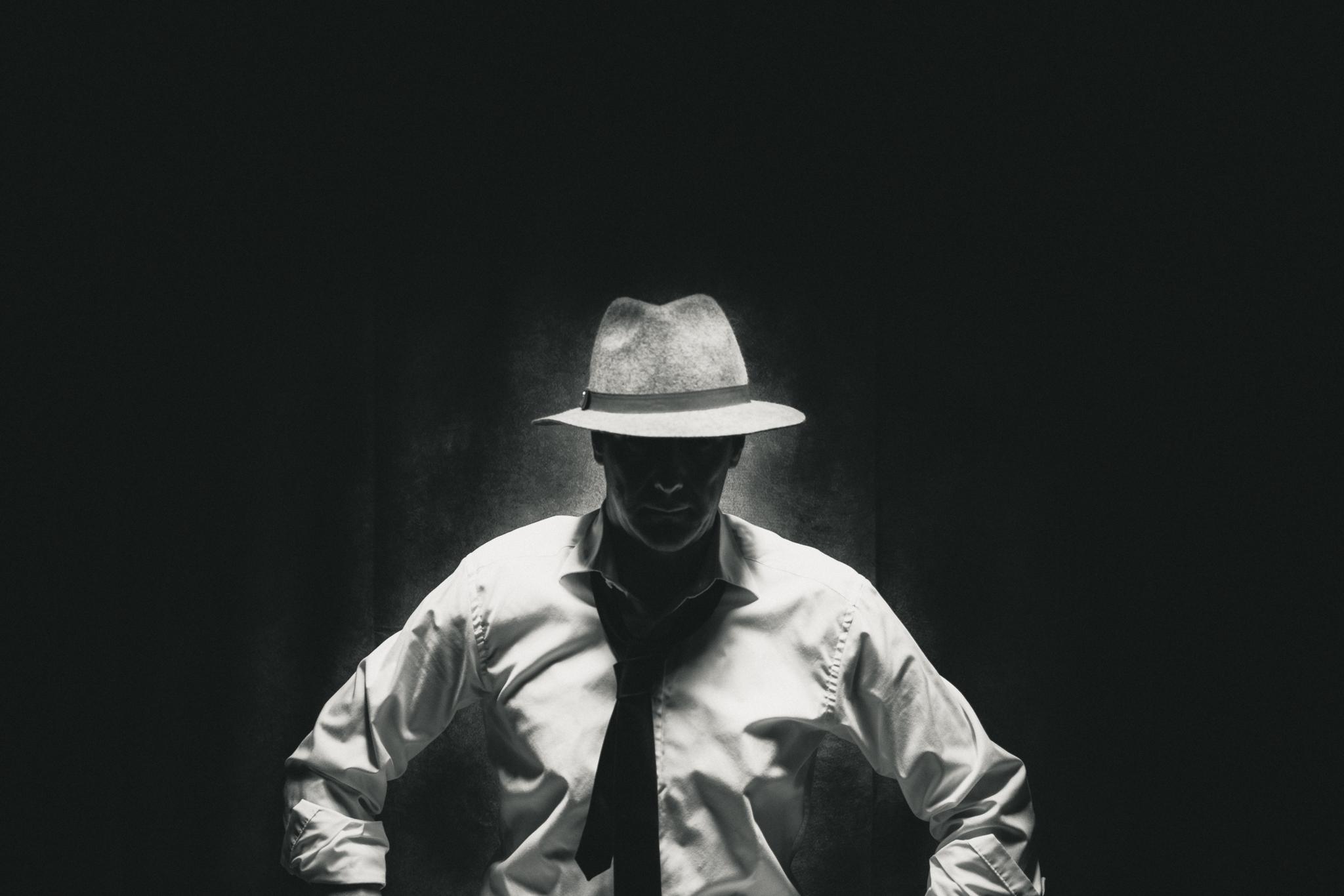 Selfie Film Noir Black and White - m-foerster.com