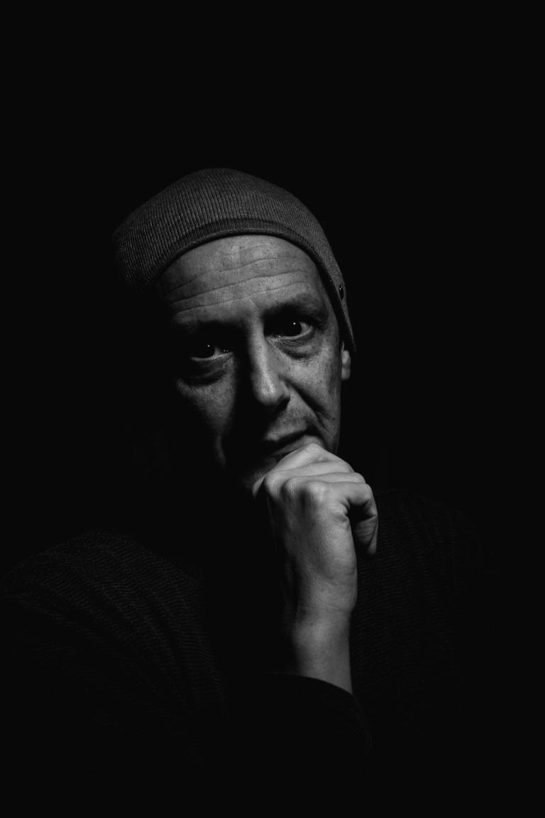 Selfie Film Noir Black and White Portrait Porträt - m-foerster.com