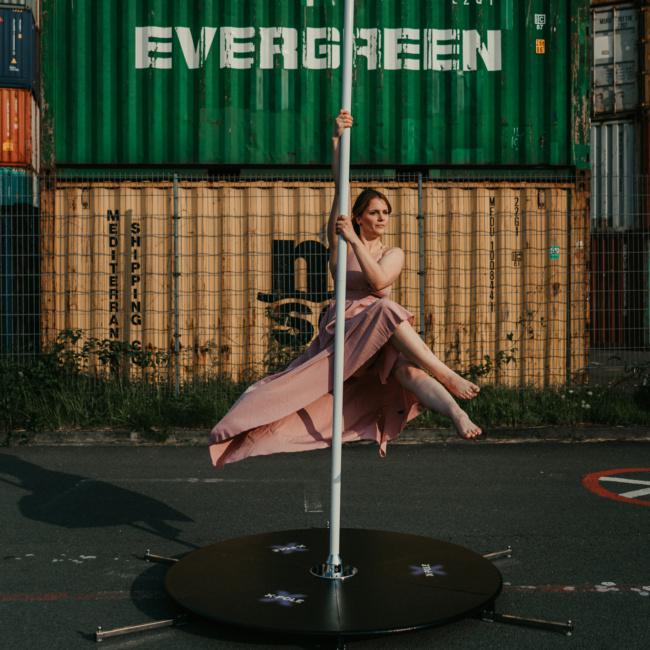 Pole Dance Hafen Container Vanessa #mfoerster